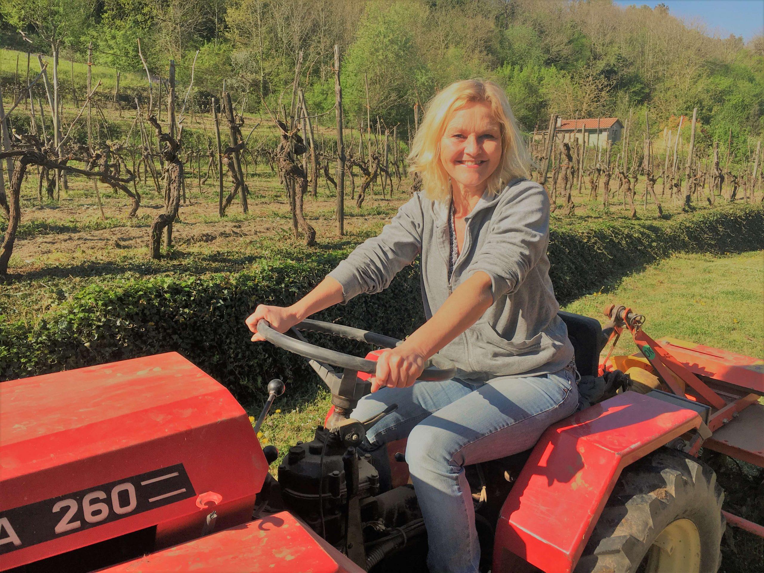 Ny traktor på vingården – første kjøretur