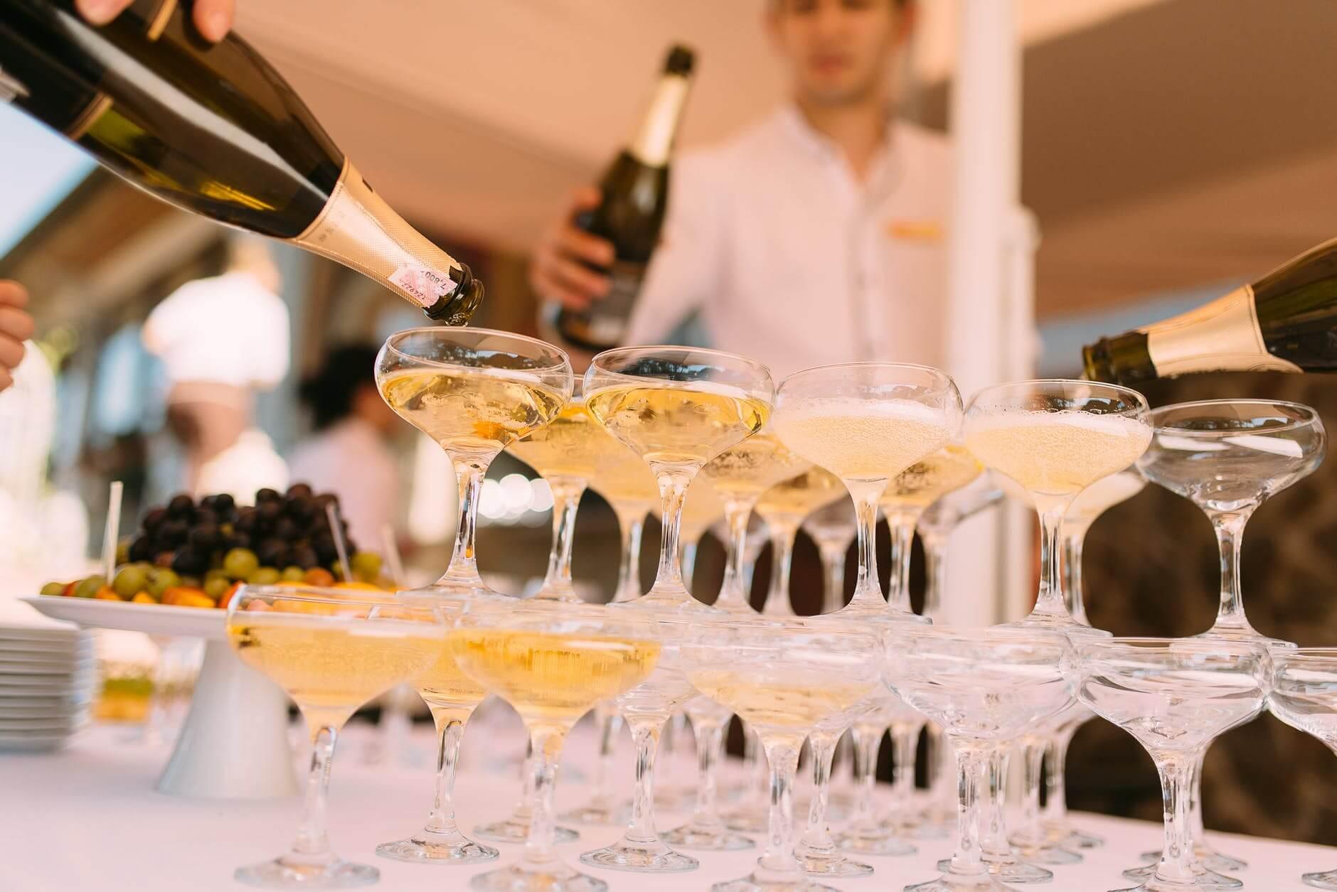 Nye, eksklusive musserende fra England og Champagne