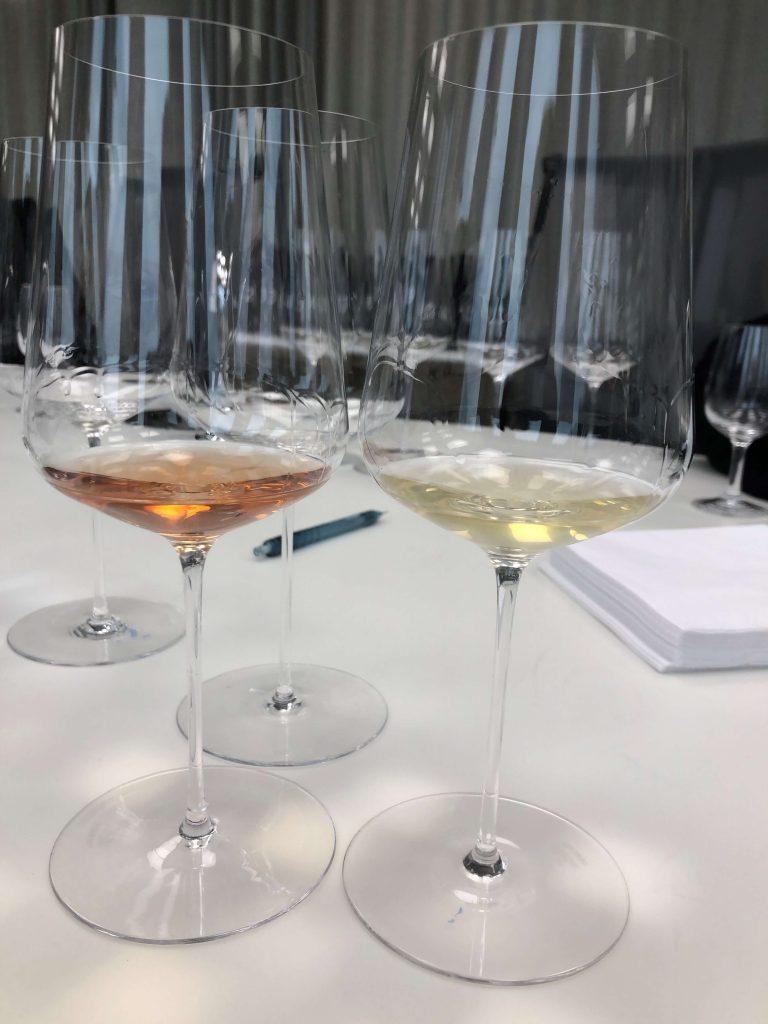 Jul- og nyttårsfesten er så vidt over, før det kommer nye viner i januar. Fredag 10. januar er årets første vinslipp. Oransjevin fra Italia, vin på Cabernet Franc fra ulike verdensdeler og Pinot Noir fra Chile er blant nykommerne.