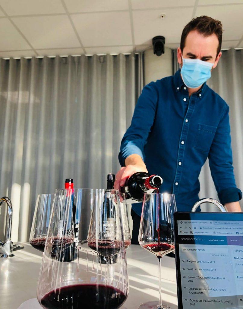 Salget av vin på småflasker øker. Lurer du hvilke du bør velge? Her er en test av halvflasker vin som står i hyllene på polet.