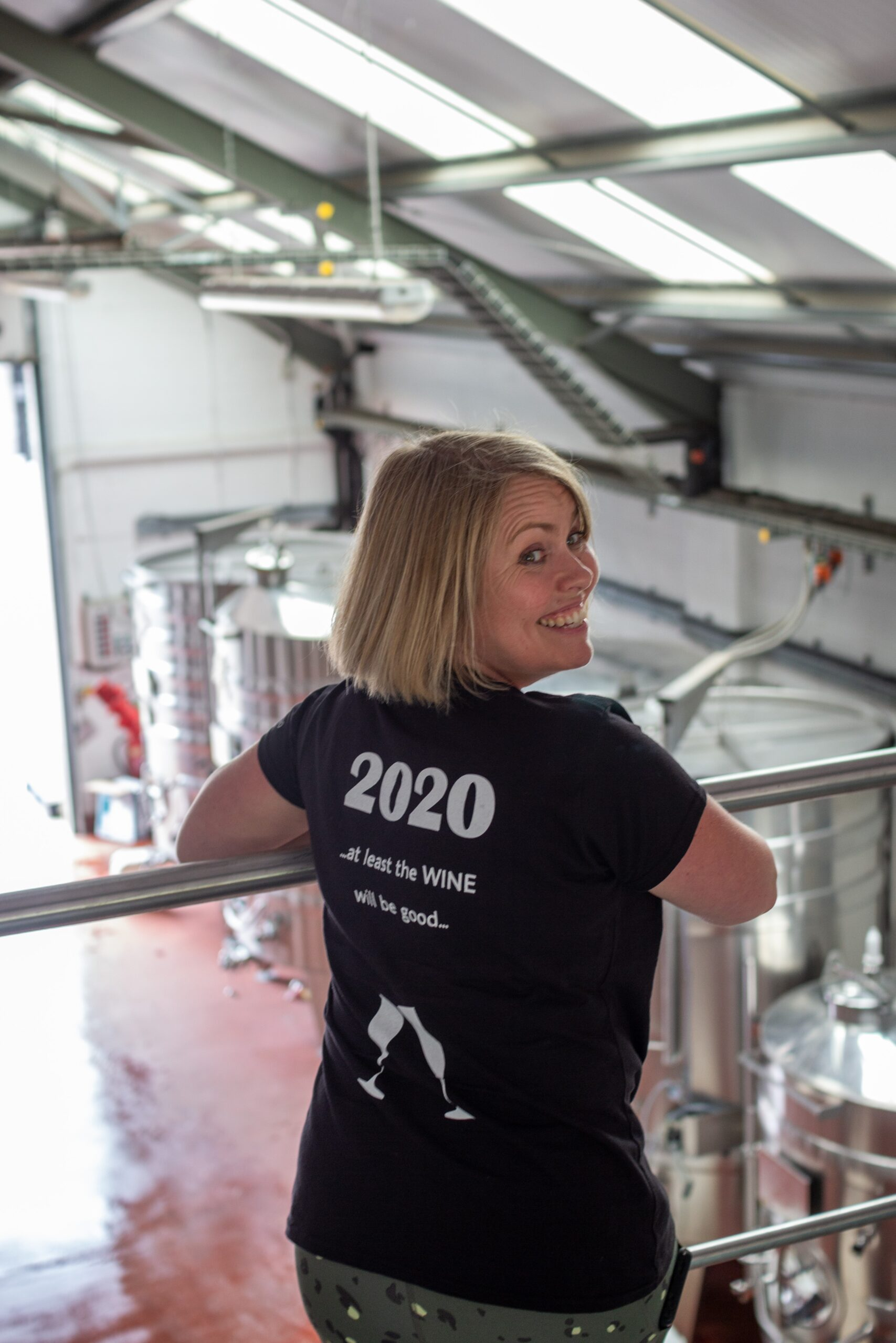 Kvinner som lager vin. – Drikk noe skikkelig